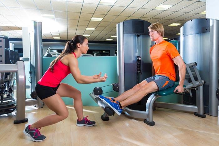Personlig trener hjelper deg i form